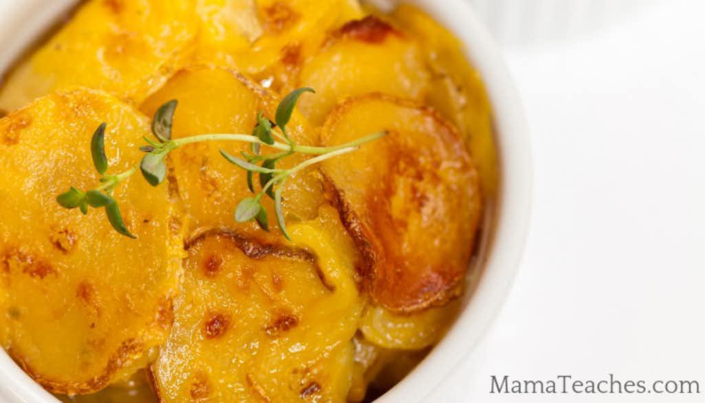 Easy Slow Cooker Scalloped Potatoes Recipe