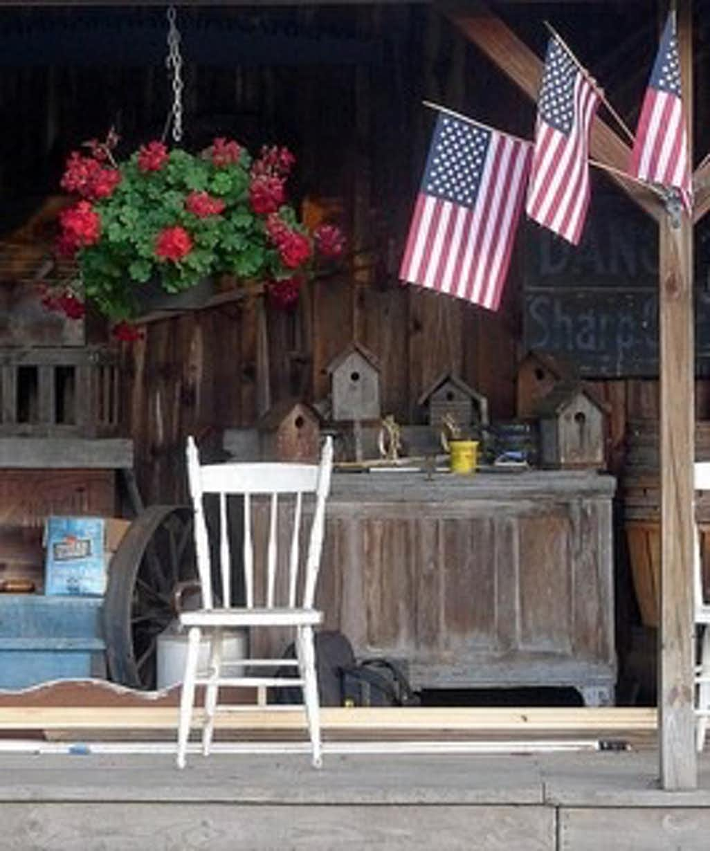 How to Decorate Your Front Porch for the Fourth of July