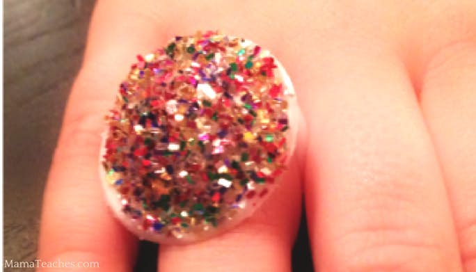 Pull Top Glitter Ring