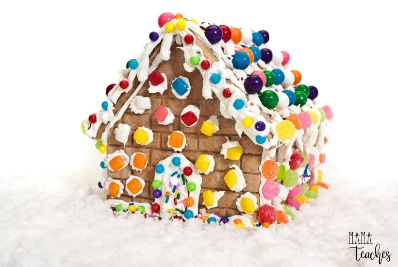 Christmas DIY - How to Make a Gingerbread House Out of Graham Crackers